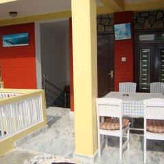 Отель New Summit Guest House Непал, Покхара - отзывы, цены и фото номеров - забронировать отель New Summit Guest House онлайн балкон