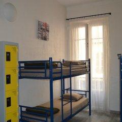 Отель Backpackers Chez Patrick Кровать в общем номере с двухъярусной кроватью фото 3