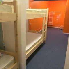 Garage Hostel Кровать в мужском общем номере с двухъярусной кроватью фото 6
