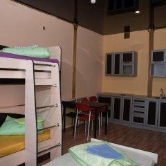Hostel Nash Dom Кровать в мужском общем номере