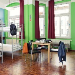The Circus Hostel Кровать в общем номере с двухъярусной кроватью