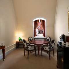 Hotel Taschenbergpalais Kempinski Dresden 5* Улучшенный люкс двуспальная кровать фото 2