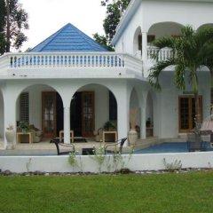 Отель By The Sea Vacation Home And Villa фото 12