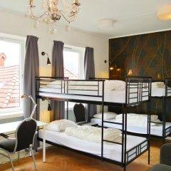Отель Marken Guesthouse Кровать в мужском общем номере фото 14