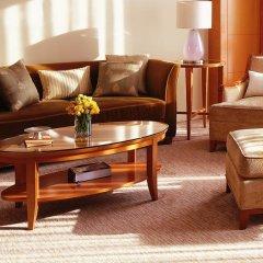 Four Seasons Hotel Mumbai 5* Представительский люкс с различными типами кроватей фото 2