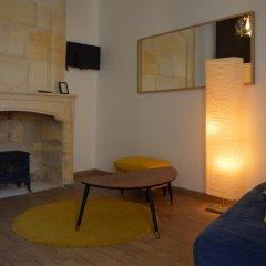 Отель Logis des Jurats Франция, Сент-Эмильон - отзывы, цены и фото номеров - забронировать отель Logis des Jurats онлайн комната для гостей