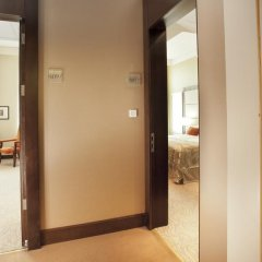 Hotel Kings Court 5* Представительский люкс с двуспальной кроватью фото 8
