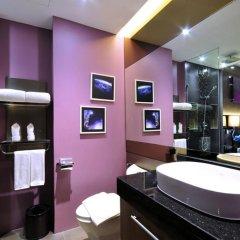 Отель The Continent Bangkok by Compass Hospitality 4* Улучшенный номер с различными типами кроватей фото 15