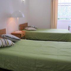 Отель Pousada de Juventude de Ponta Delgada Понта-Делгада комната для гостей фото 4