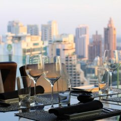 Отель The Continent Bangkok by Compass Hospitality 4* Стандартный номер с различными типами кроватей фото 31