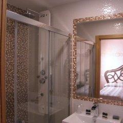 Отель Hostal Paquita Испания, Мадрид - отзывы, цены и фото номеров - забронировать отель Hostal Paquita онлайн ванная