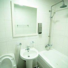 Отель Hong Guesthouse Dongdaemun Южная Корея, Сеул - отзывы, цены и фото номеров - забронировать отель Hong Guesthouse Dongdaemun онлайн ванная