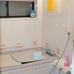Отель Guest House MAKOTOGE - Hostel Япония, Минамиогуни - отзывы, цены и фото номеров - забронировать отель Guest House MAKOTOGE - Hostel онлайн ванная фото 2