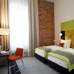 Отель Vienna House Andel's Lodz 4* Улучшенный номер с различными типами кроватей фото 2