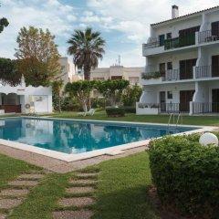 Отель Akisol Vilamoura Emerald II Португалия, Виламура - отзывы, цены и фото номеров - забронировать отель Akisol Vilamoura Emerald II онлайн бассейн