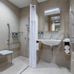 Отель Hampton by Hilton Istanbul Zeytinburnu 2* Стандартный номер с различными типами кроватей фото 10