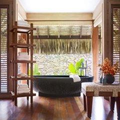 Отель Four Seasons Resort Bora Bora 5* Вилла с различными типами кроватей фото 2