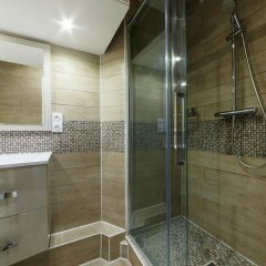 Отель Rue de Bassano by Onefinestay ванная