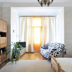 Ester President Hostel Стандартный номер с 2 отдельными кроватями (общая ванная комната) фото 16
