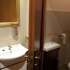 Отель Hostel Cinema Польша, Вроцлав - отзывы, цены и фото номеров - забронировать отель Hostel Cinema онлайн ванная