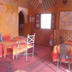 Отель Auberge Ocean des Dunes Марокко, Мерзуга - отзывы, цены и фото номеров - забронировать отель Auberge Ocean des Dunes онлайн гостиничный бар