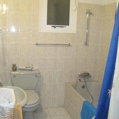 Отель Polyxenia Isaak Annex Apartment Кипр, Протарас - отзывы, цены и фото номеров - забронировать отель Polyxenia Isaak Annex Apartment онлайн ванная фото 2