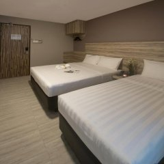 Отель Ibis Budget Singapore Crystal 2* Улучшенный семейный номер с различными типами кроватей фото 3