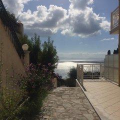 Апартаменты Brentanos Apartments ~ A ~ View of Paradise Апартаменты с различными типами кроватей фото 19