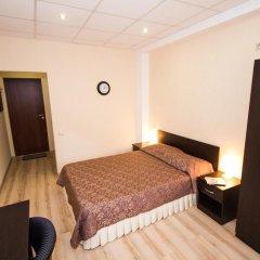 Гостиница Робинзон 2* Стандартный номер с двуспальной кроватью