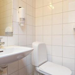 Отель Kristiansand Feriesenter Норвегия, Кристиансанд - отзывы, цены и фото номеров - забронировать отель Kristiansand Feriesenter онлайн ванная фото 2