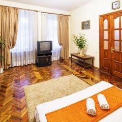 Апартаменты Авcтрийские Апартаменты во Львове комната для гостей фото 3