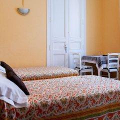 Отель Hostal Pensio 2000 комната для гостей