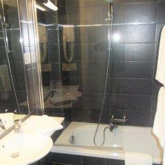 Отель Carlton 3* Стандартный номер с двуспальной кроватью фото 11