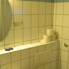 Отель Pension Weber Австрия, Вена - отзывы, цены и фото номеров - забронировать отель Pension Weber онлайн ванная фото 2