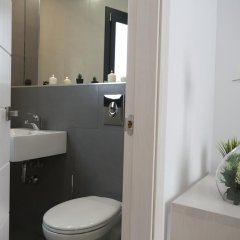 Отель Hostal la Pasajera Испания, Кониль-де-ла-Фронтера - отзывы, цены и фото номеров - забронировать отель Hostal la Pasajera онлайн ванная
