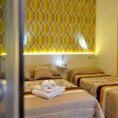 Хостел Far Home Plaza Mayor Стандартный номер с двуспальной кроватью фото 4