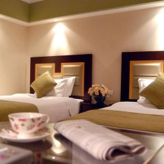 Hua Ting Hotel And Towers 5* Номер Делюкс с различными типами кроватей