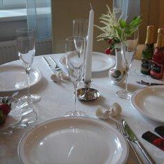 Отель Guest House Vecāķi питание