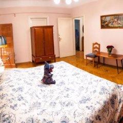 Апартаменты Swiss Apartments комната для гостей