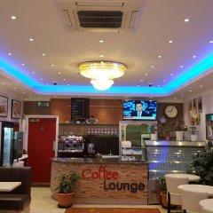 Barking Hotel гостиничный бар