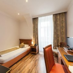 Отель Novum Hotel Cristall Wien Messe Австрия, Вена - 12 отзывов об отеле, цены и фото номеров - забронировать отель Novum Hotel Cristall Wien Messe онлайн комната для гостей фото 2