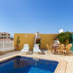 Отель Villa Fiesta бассейн