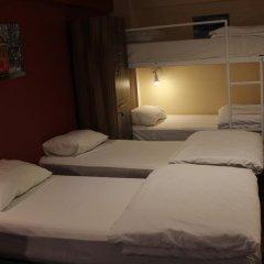Twins Rooms Hostel Кровать в общем номере с двухъярусной кроватью фото 3
