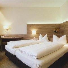 Hotel Jedermann 2* Улучшенный номер с двуспальной кроватью фото 3