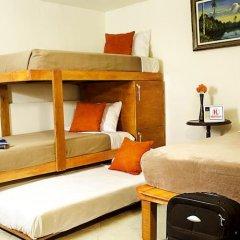 Hostel Lit Guadalajara Стандартный семейный номер с двуспальной кроватью