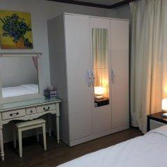 Отель Juniper Garden Guest House удобства в номере