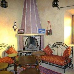 Отель Maison Merzouga Guest House Марокко, Мерзуга - отзывы, цены и фото номеров - забронировать отель Maison Merzouga Guest House онлайн интерьер отеля