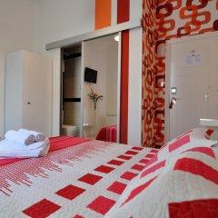 Хостел Far Home Plaza Mayor Стандартный номер с двуспальной кроватью фото 3
