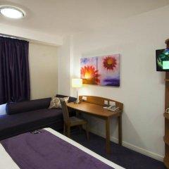 Отель Premier Inn London Waterloo комната для гостей фото 4