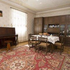 Отель Smbatyan B&b Севан питание